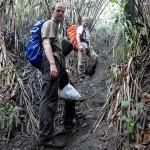 Richard and Thorsten on the steep path to the summit. © Marc Szeglat