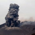 Der Sakura-jima ist seit einigen Jahren daueraktiv, die Ruhephasen zwischen den einzelnen Explosionen dauerten bis zu 36 Stunden.  © Marc Szeglat