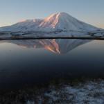 Der Vulkan Tolbatschik im Morgenlicht.  © Marc Szeglat