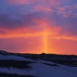 Lichtsäule während des Sonnenaufgangs. © Marc Szeglat