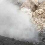 Diese Eruption deckte uns fast mit Bomben ein. © Marc Szeglat